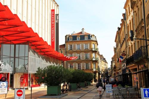 Metz 023